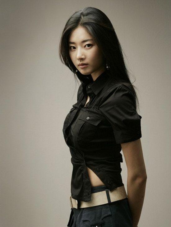 【美人】美胸皇后+长腿女王「金莎朗」